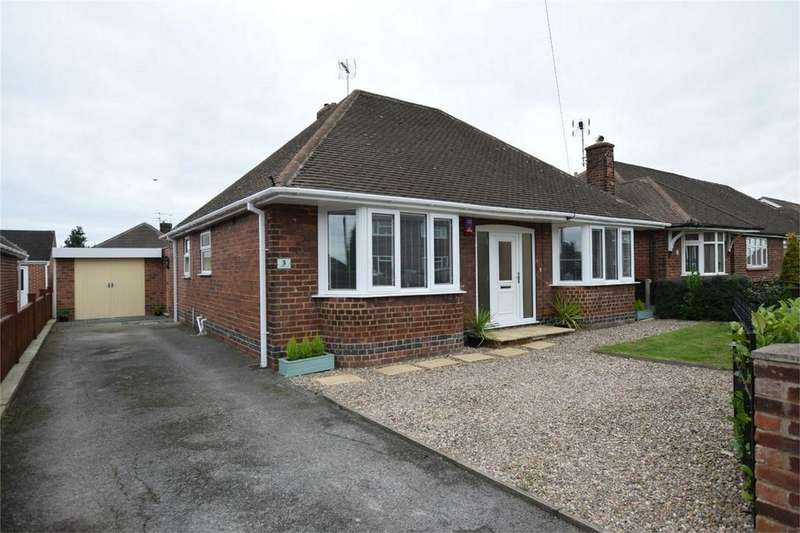 2 Bedrooms Detached Bungalow for sale in Pennine Avenue, Riddings, ALFRETON, Derbyshire