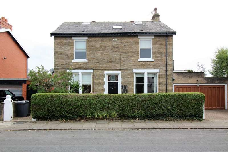 4 Bedrooms Detached House for sale in Lime Grove, Thornton-Cleveleys, FY5