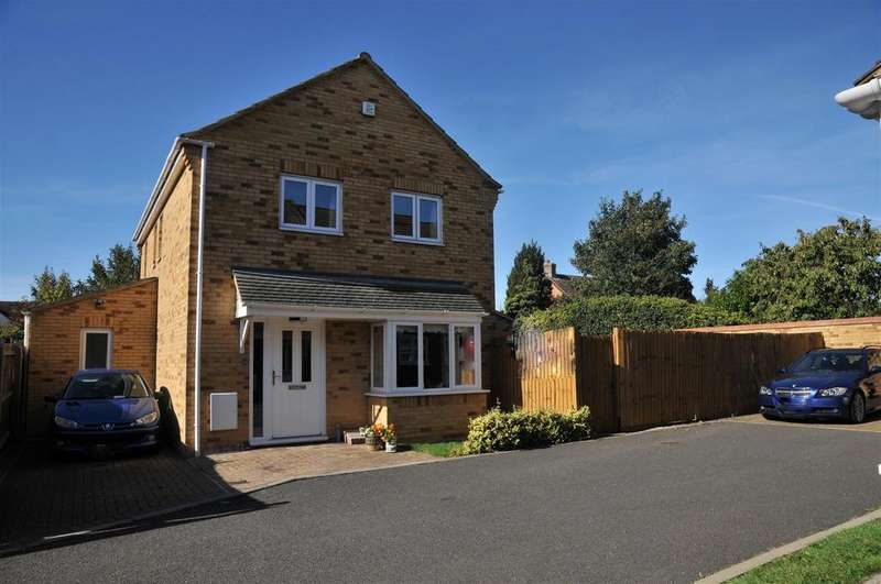 3 Bedrooms Detached House for sale in Woodcote Close, Peterborough