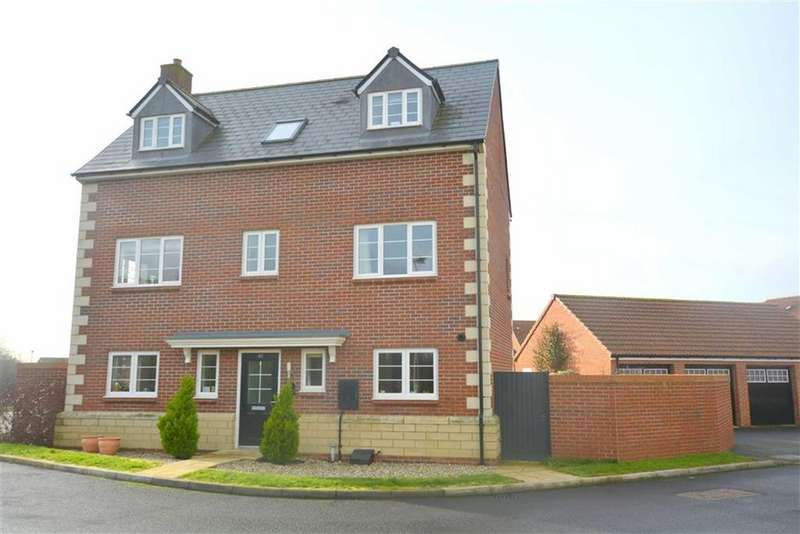 4 Bedrooms Detached House for sale in Hawthorn Close Hardwicke