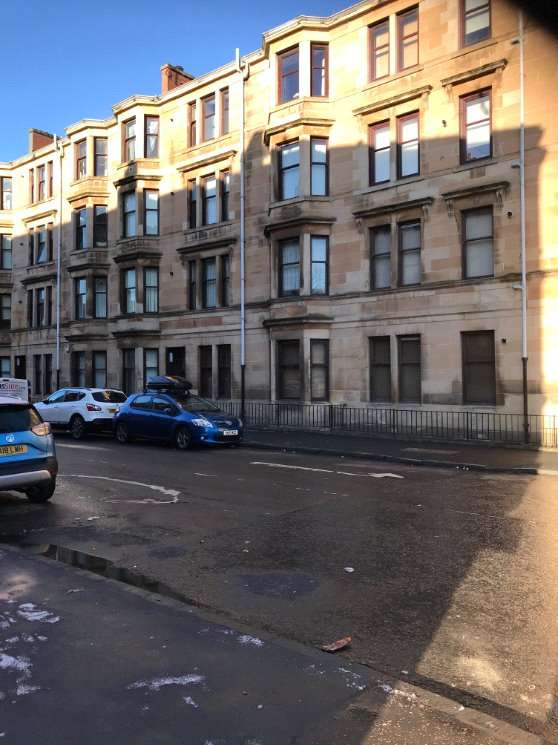 2 Bedrooms Flat for sale in Skipness Drive, Glasgow, Lanarkshire, G51