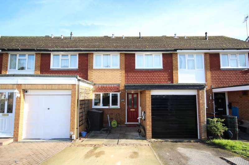 3 Bedrooms Terraced House for sale in Cleveland, Charvil, RG10