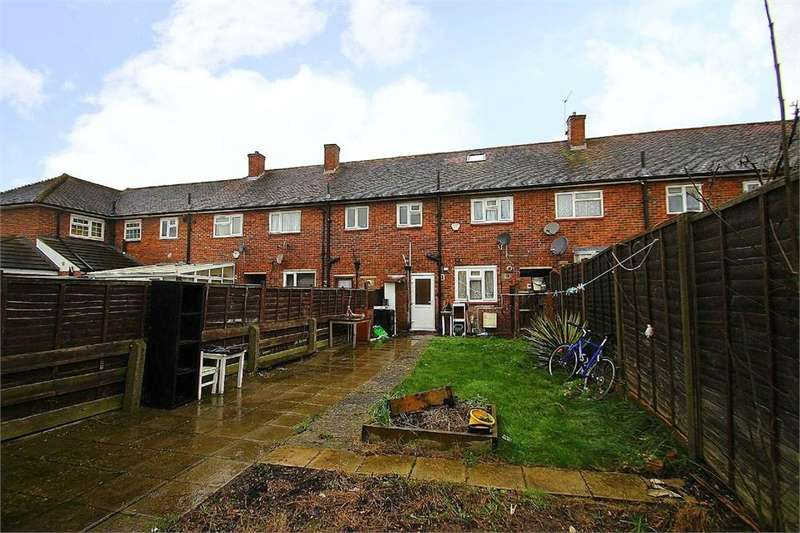 4 Bedrooms Terraced House for sale in Paget Road, Langley, Berkshire