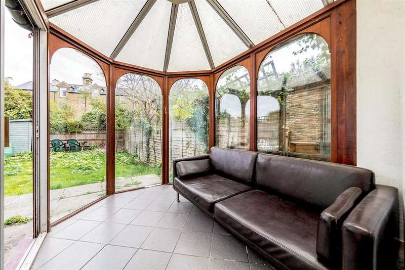 6 Bedrooms Terraced House for sale in Trinity Road, SW17