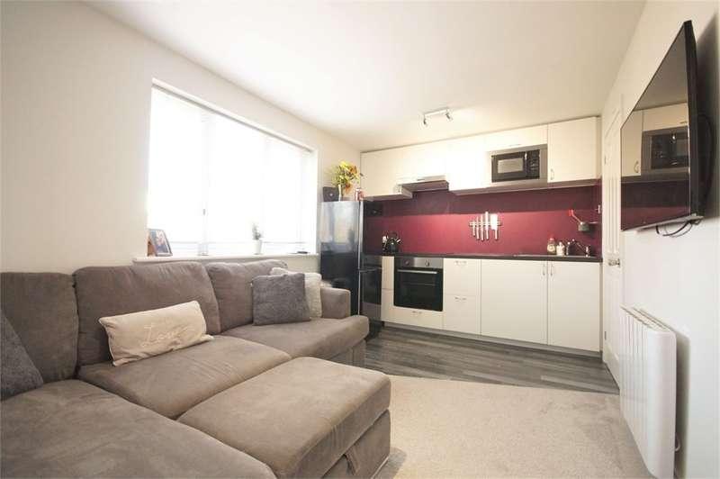 1 Bedroom Flat for sale in Sturbridge Close, Lower Earley, READING, Berkshire