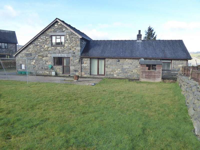 3 Bedrooms Detached Bungalow for sale in Llanuwchllyn, Bala