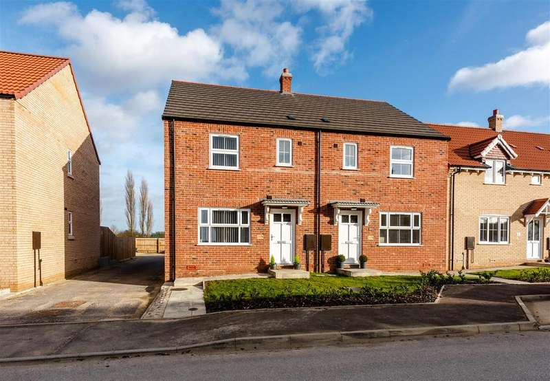 3 Bedrooms Semi Detached House for sale in Eton Way, Boston