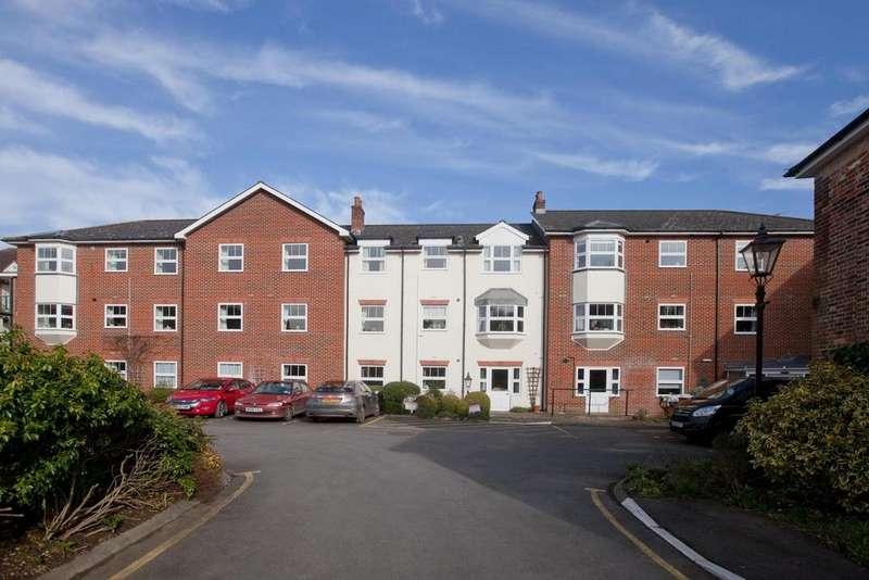 2 Bedrooms Flat for sale in Crane Bridge Road, Salisbury
