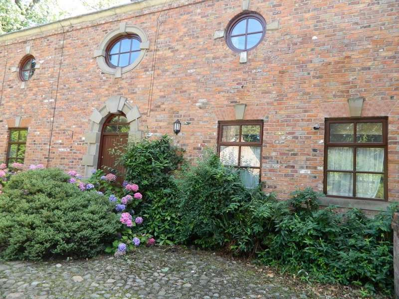 3 Bedrooms Terraced House for sale in Home Farm, Alkrington Hall Road North, Middleton, Manchester