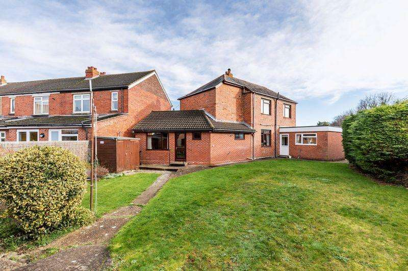 4 Bedrooms Detached House for sale in Rosebery Avenue, Cosham