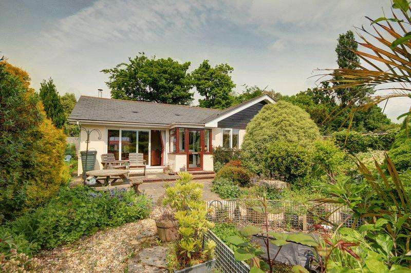 3 Bedrooms Detached House for sale in Shillingford St George, Exeter, Devon
