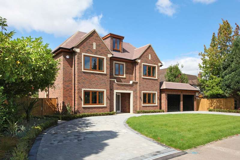 5 Bedrooms Detached House for sale in Woodlands Glade, Beaconsfield, HP9