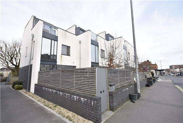 3 Bedrooms Terraced House for sale in Chessel Heights, West Street, Bedminster, Bristol, BS3 3NB