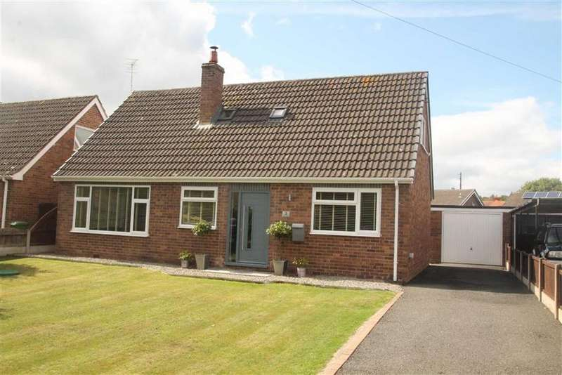4 Bedrooms Detached Bungalow for sale in Castle Crescent, Chirk