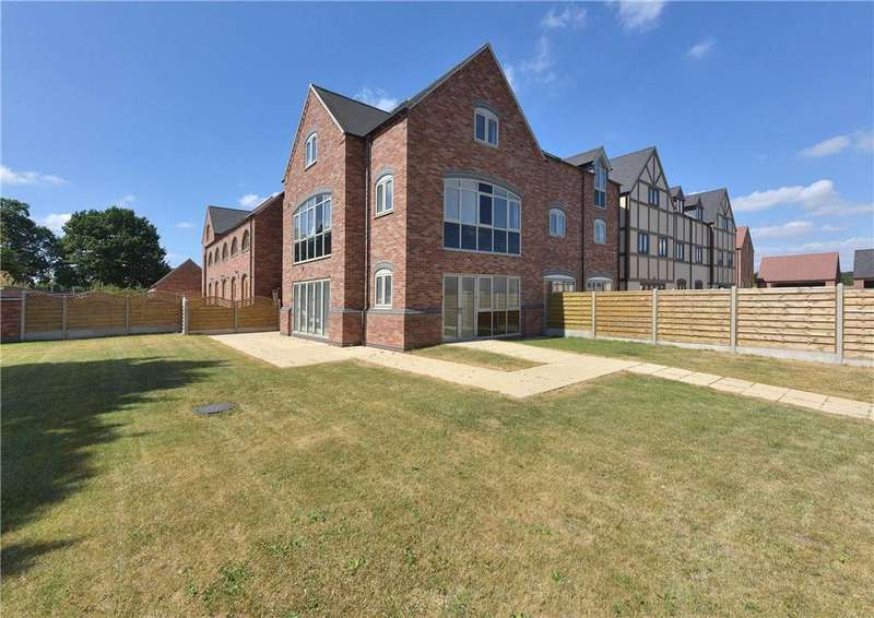 4 Bedrooms Semi Detached House for sale in Malkins Way, Coleshill, Birmingham, Warwickshire, B46
