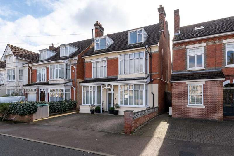 6 Bedrooms Detached House for sale in INGLIS ROAD, COLCHESTER