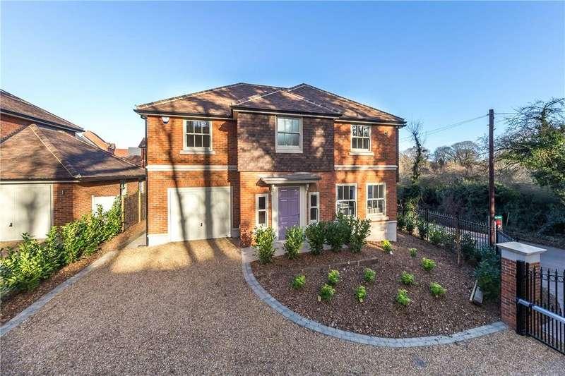 4 Bedrooms Detached House for sale in Glamis Close, Bragbury End Village, Stevenage