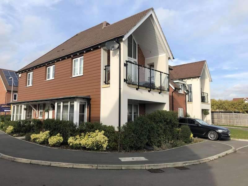 4 Bedrooms Detached House for sale in Bluebell Crescent, Reading, RG5