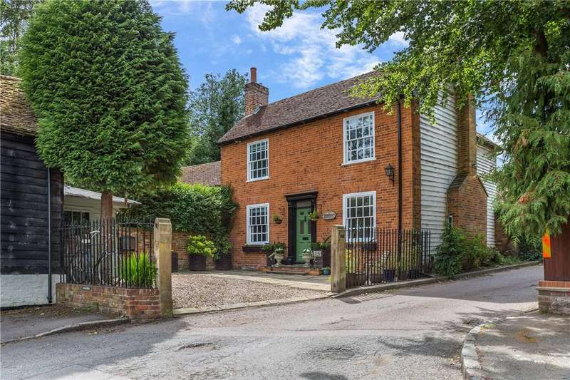 4 Bedrooms Detached House for sale in Lower Gustard Wood, Wheathampstead, St. Albans, Hertfordshire