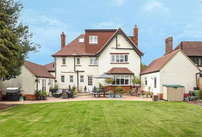 5 Bedrooms Detached House for sale in Park Avenue South, Abington, Northampton, Northamptonshire, NN3