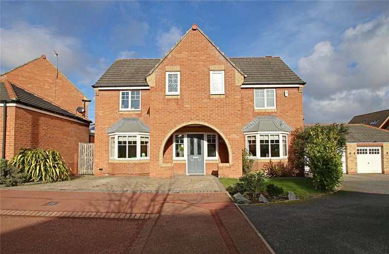 4 Bedrooms Detached House for sale in Chedworth Court, The Rings