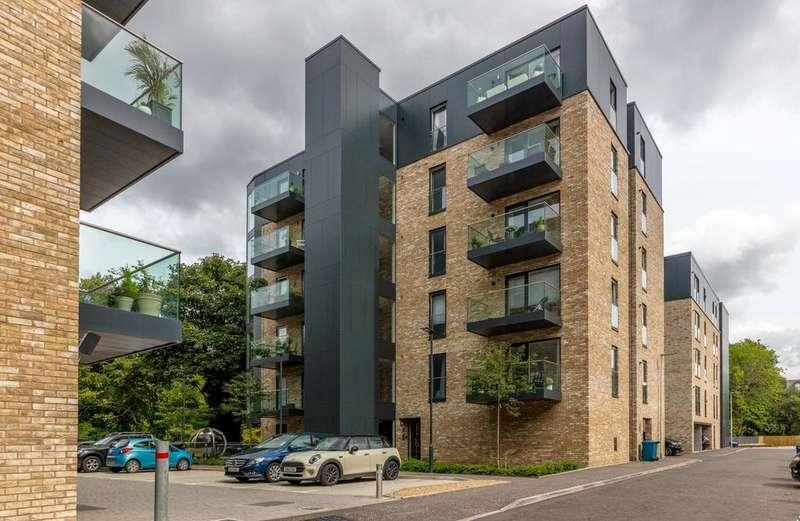2 Bedrooms Apartment Flat for sale in 7 Hamilton Gardens, Botanics, G12 8BD