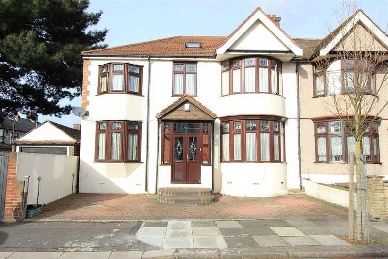 5 Bedrooms End Of Terrace House for sale in Chudleigh Crescent, Seven Kings, Essex, IG3