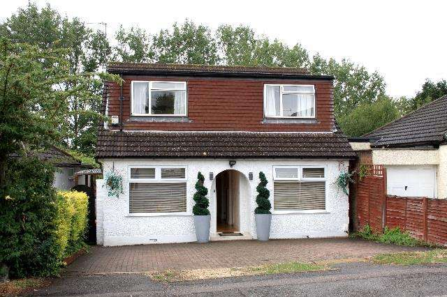 4 Bedrooms Detached House for sale in Alexandra Road, Well End