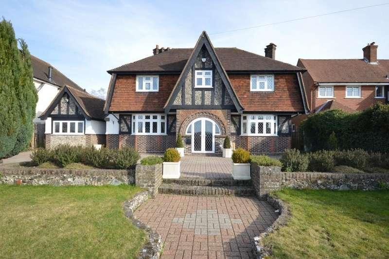 4 Bedrooms Detached House for sale in Epsom Lane North, Epsom