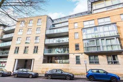 2 Bedrooms Flat for sale in North Contemporis, 20 Merchants Road, Bristol