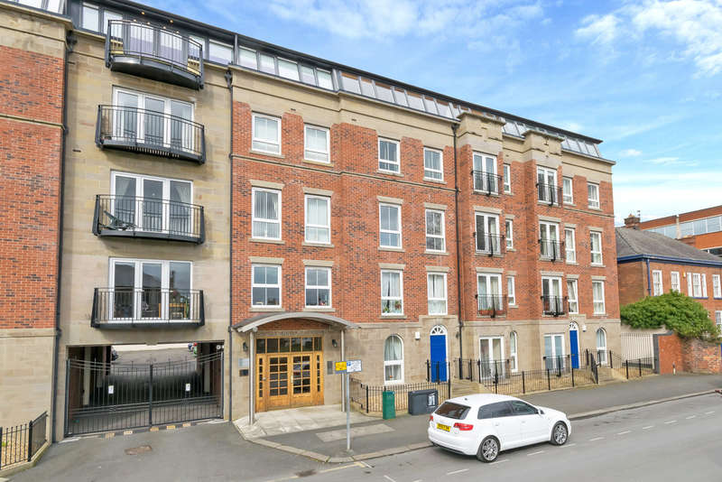 3 Bedrooms Flat for sale in Palmyra Square North, Warrington