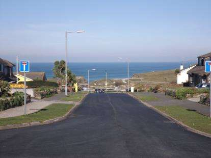 2 Bedrooms Bungalow for sale in Lusty Glaze, Newquay, Cornwall