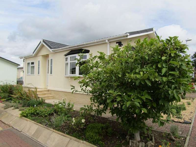2 Bedrooms Park Home Mobile Home for sale in Woodlands Park, Quedgeley