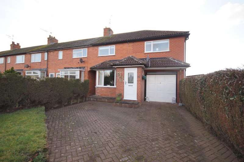 3 Bedrooms Semi Detached House for sale in St. Aidens Road, North Hykeham
