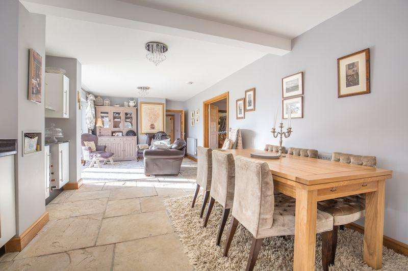 5 Bedrooms House for sale in NO CHAIN Spacious contemporary house in Church Lane, West Pennard