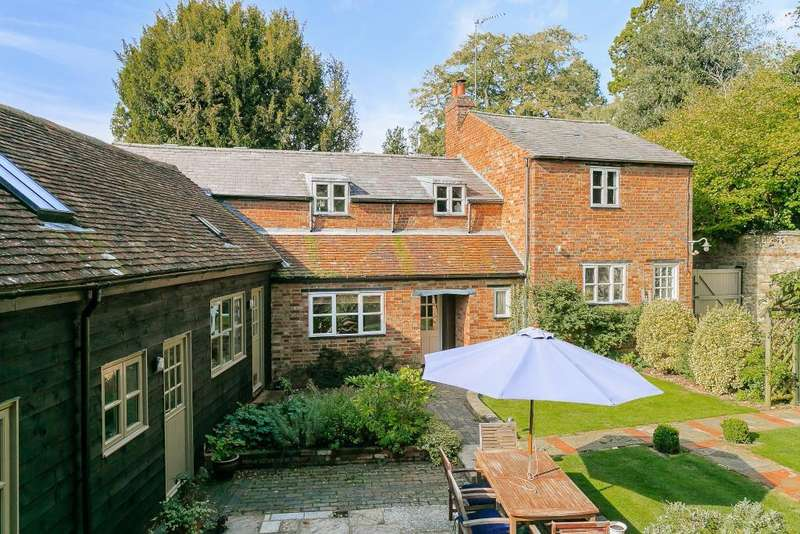 5 Bedrooms Detached House for sale in Church Street, Buckingham, Buckinghamshire