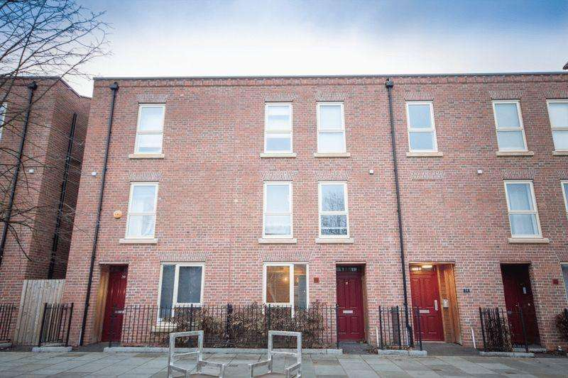 2 Bedrooms Terraced House for sale in Park Street, Derby