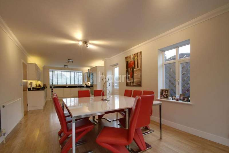 5 Bedrooms Detached House for sale in Sittingbourne