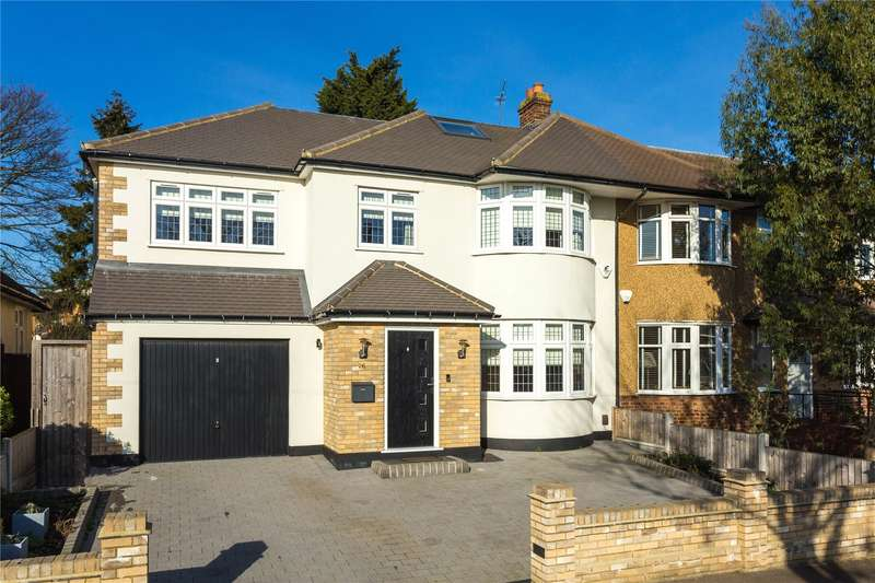 5 Bedrooms Semi Detached House for sale in Faversham Avenue, North Chingford, London