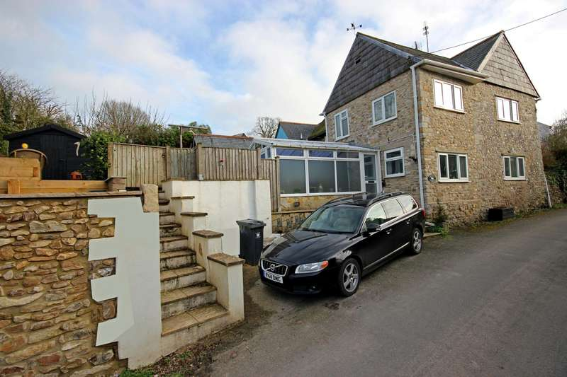 2 Bedrooms Semi Detached House for sale in Combpyne, Axminster