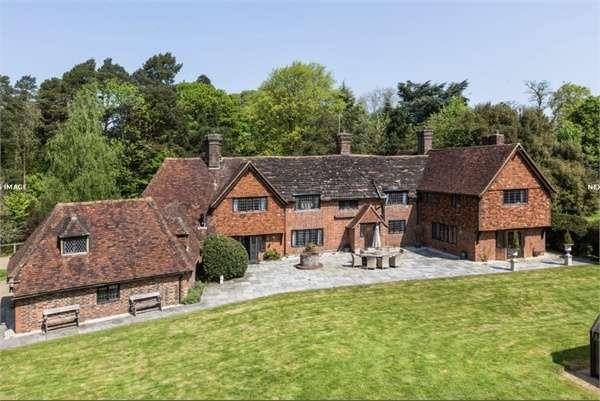 8 Bedrooms Detached House for sale in Charlwood, Horley, Surrey