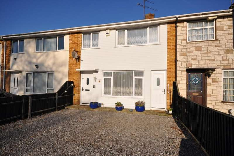 3 Bedrooms Terraced House for sale in Wheble Drive, Woodley, Reading, RG5 3DU