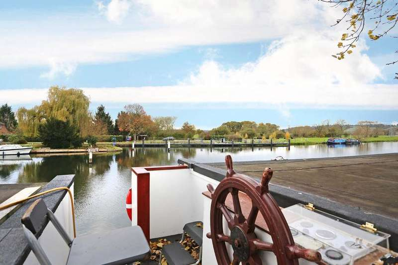 10 Bedrooms House Boat Character Property for sale in Moored At Mapledurham House, Reading, RG4