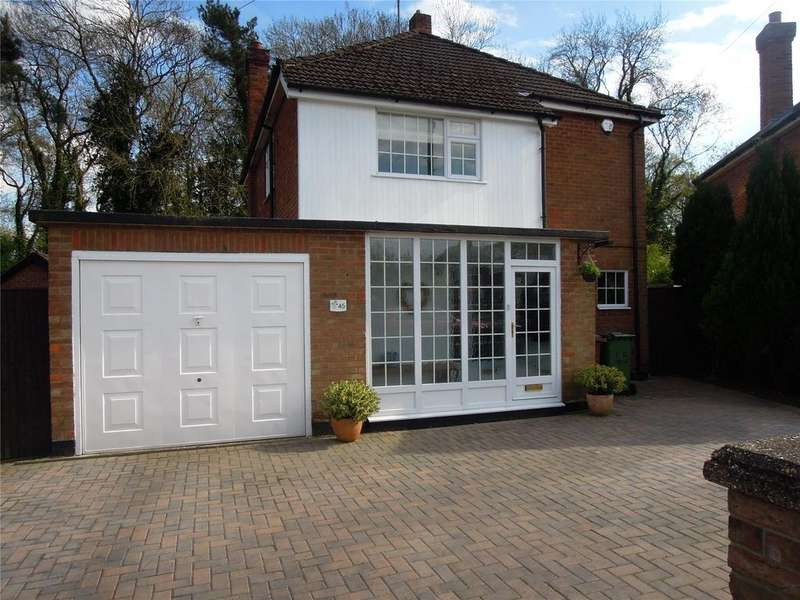 4 Bedrooms Detached House for sale in Hunsley Crescent, Grimsby, DN32