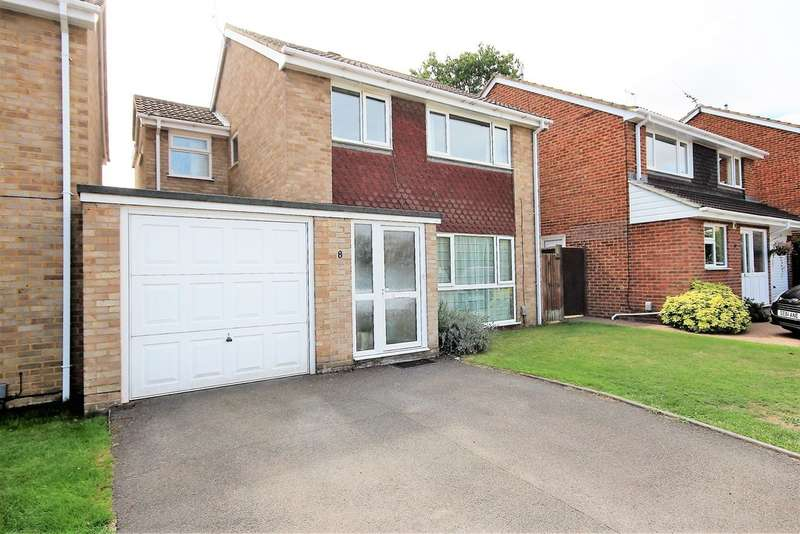 4 Bedrooms Detached House for sale in Sarum Crescent, Wokingham RG40