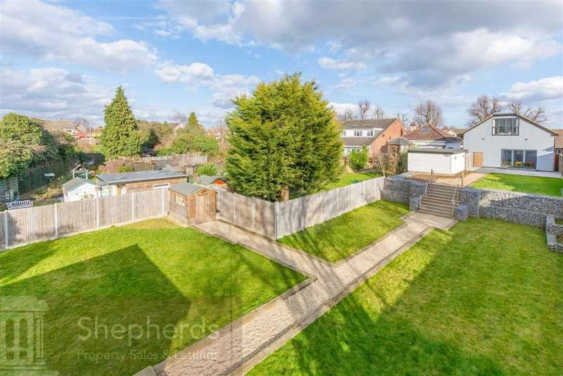 5 Bedrooms Detached House for sale in Stanstead Road, Hoddesdon, Hertfordshire, EN11