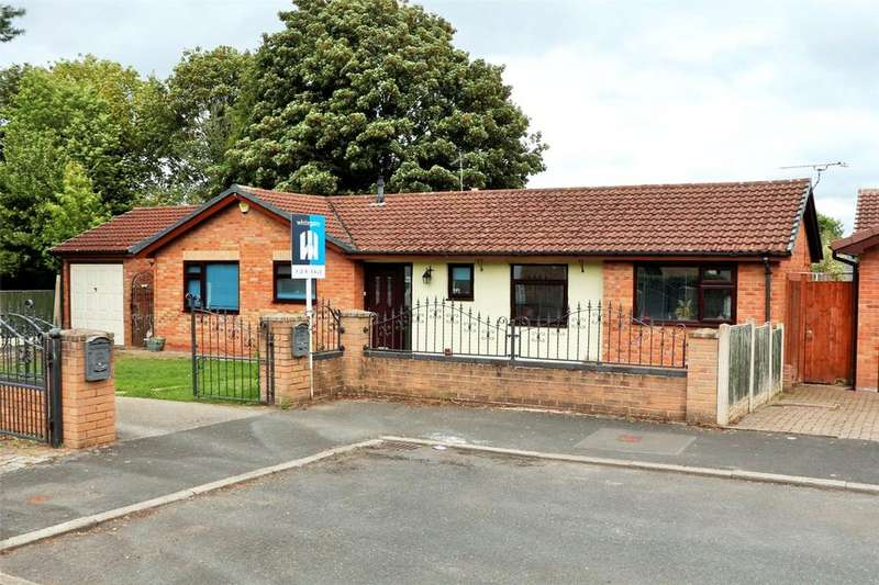4 Bedrooms Bungalow for sale in Old Hall Close, Esless Park, Rhostyllen, Wrexham, LL14