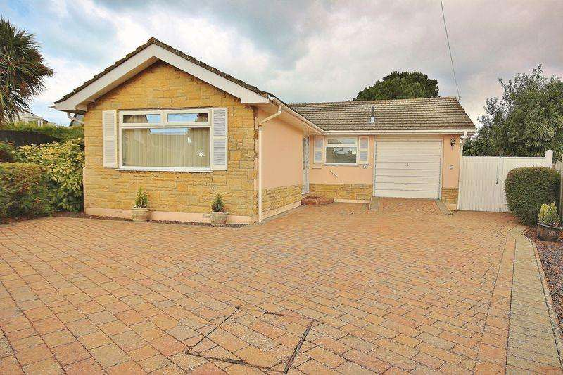 2 Bedrooms Bungalow for sale in Roscrea Close, Wick, Bournemouth
