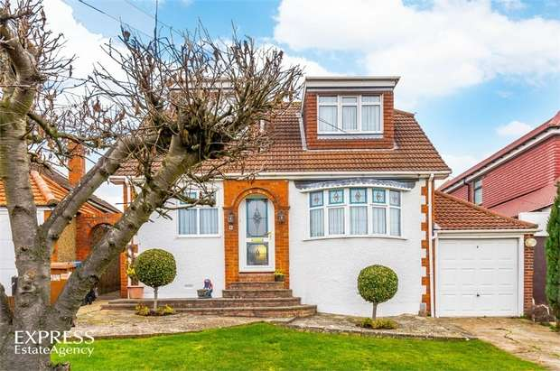 4 Bedrooms Detached House for sale in Kingswell Ride, Cuffley, Potters Bar, Hertfordshire