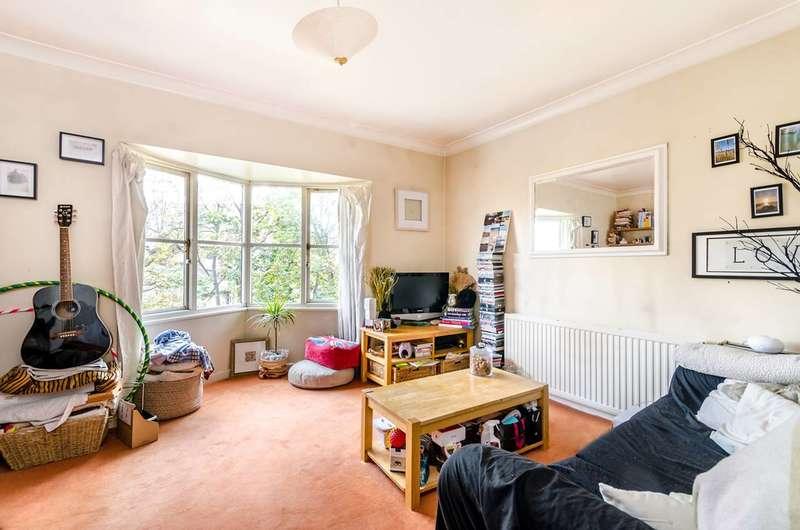 1 Bedroom Flat for sale in Halley Gardens, Blackheath, SE13